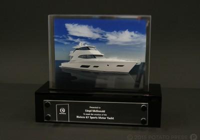 Riviera-Presentaion-award-printed-acrylic-custom-award-north-america-australia-yacht-riviera